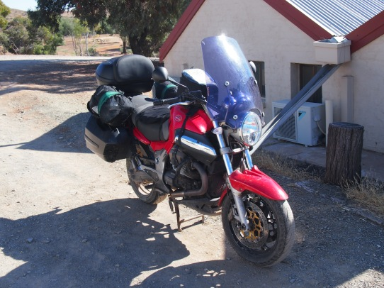 Bike loaded and ady to roll at the back of the Blinman Hotel