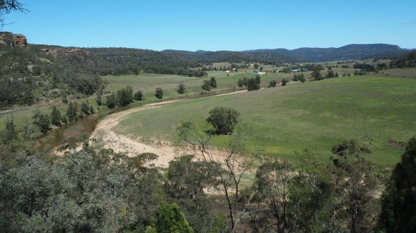 Looking over the Goulburn River at the start of the Bylong Way